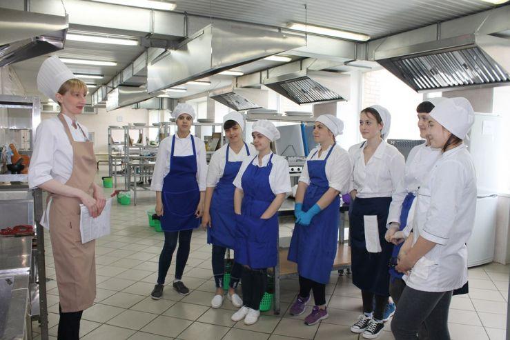 Демонстрационный экзамен по стандартам WorldSkills осваивают и внедряют преподаватели кафедры «Технология продукции общественного питания»