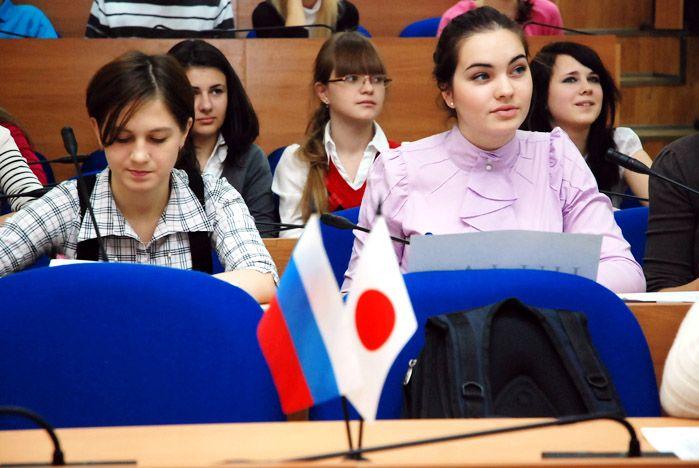 Студенты ВГУЭС узнали много нового о традициях празднования Нового года в Японии