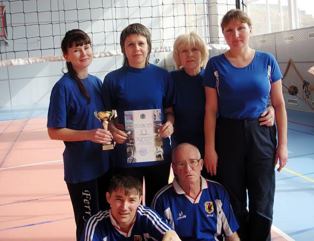 Преподаватели КСД ВГУЭС победили всех соперников в волейбольном турнире между средне-специальными учебными заведениями города