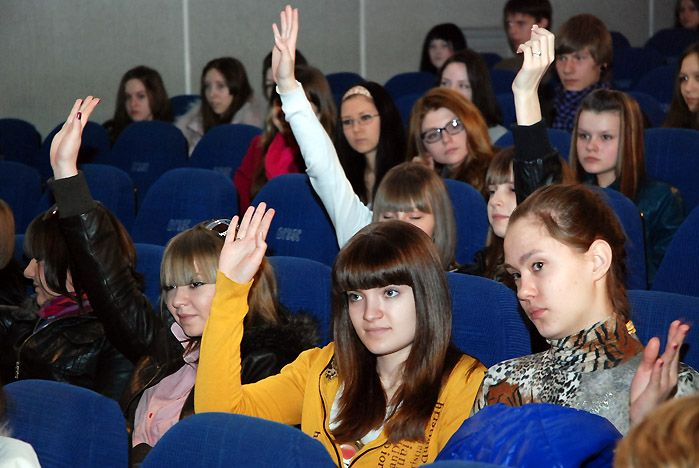 Старшеклассники города во ВГУЭС постигают основы будущей профессии