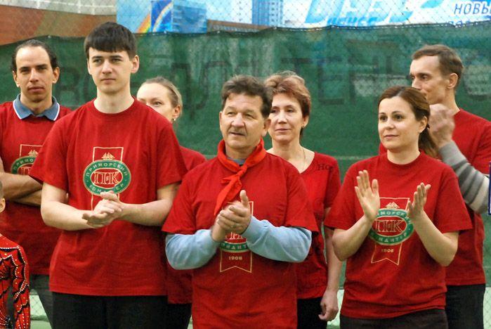 «Приморские кондитеры» лучше всех сыграли в бадминтон во ВГУЭС