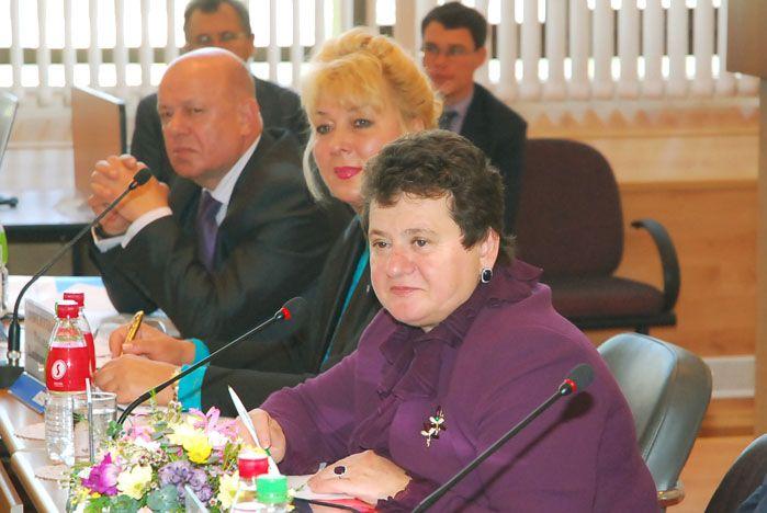 Заместитель председателя Совета Федерации Светлана Орлова: стране нужны грамотные управленцы в сфере жилищно-коммунального хозяйства