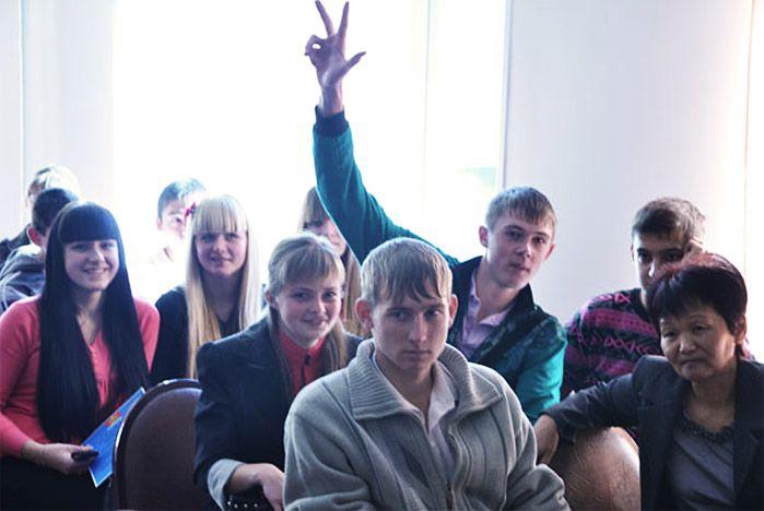 Школьные лидеры Приморья пополнили ряды добровольцев ВГУЭС