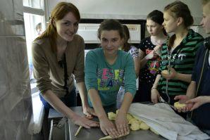 Студенты ВГУЭС продолжают реализовывать проект «Яркое детство»!
