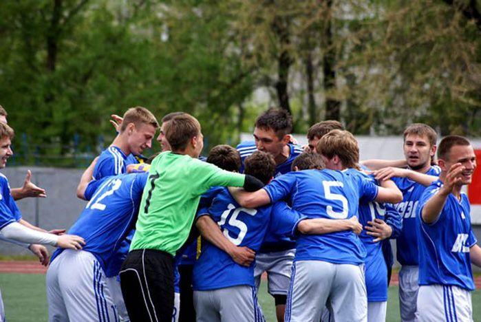 Футболисты сборной «ВГУЭС» «всухую» разгромили дублеров «Луча-Энергии»