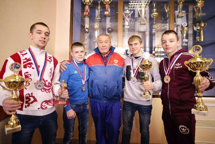 Сборная ВГУЭС по боксу приехала из Арсеньева с победой