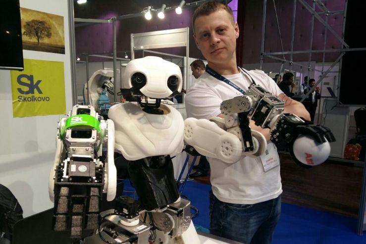 Разработчик робота выпускник ВГУЭС Александр Ганюшкин: Хочется доказать, что в России могут делать качественную, мощную, красивую робототехнику
