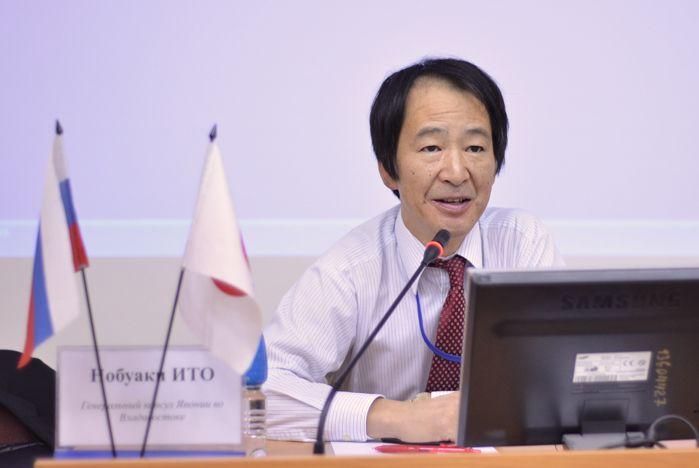Генеральный консул Японии во Владивостоке поделился дипломатическим опытом со студентами ВГУЭС