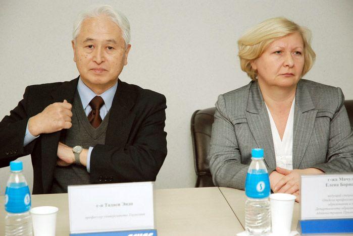 Проректор по учебной работе ВГУЭС Ирина Черная рассказала коллегам из Японии, как проходит интеграция российской системы образования в Болонский процесс