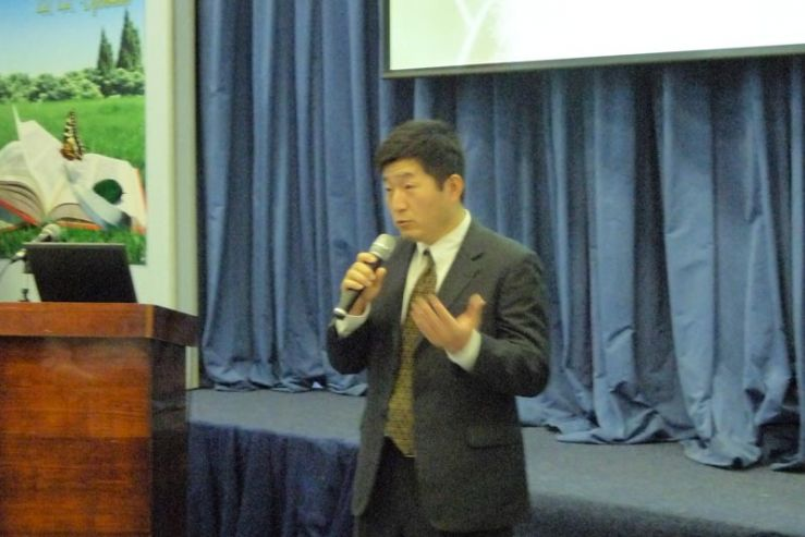 На прошедшей неделе в рамках проекта «Персона Grata» школу посетил консул США по культуре и печати Дей Ким