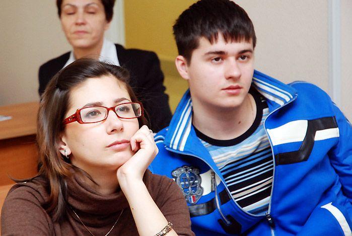Ученики ШИОД ВГУЭС познакомились с новыми лабораториями Института сервиса, моды и дизайна