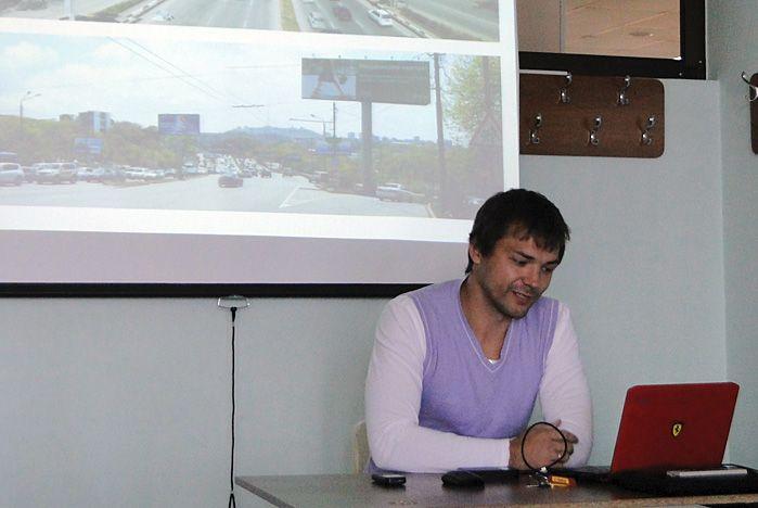Студенты кафедры маркетинга и коммерции встретились с главным художником г. Владивостока Павлом Шугуровым