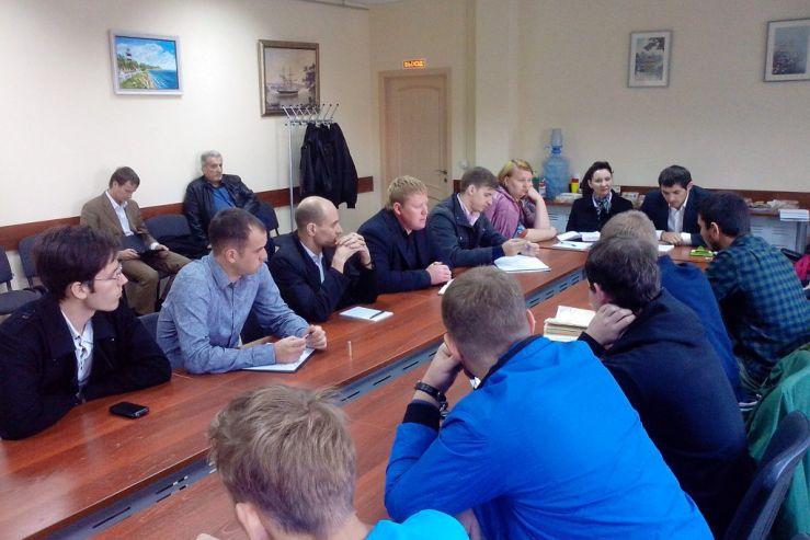 16 октября 2013 года состоялась встреча c представителем инвестора - заместителем генерального директора группы компаний «Дилан» Олегом Загуменновым.