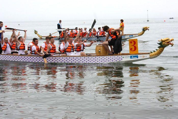 Команда ВГУЭС заняла первое место среди вузов в гонках на «драконах»