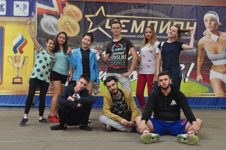 Первокурсники кафедры экономики и менеджмента приняли участие во втором ежегодном фитнес фестивале