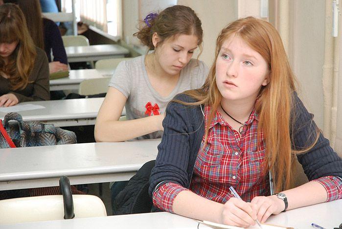 Старшеклассники во ВГУЭС штурмуют языковой олимп