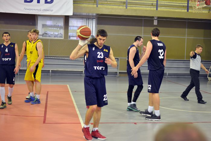 Баскетболисты ВГУЭС одержали три победы в промежуточных турах МСБЛ и Чемпионата России (зона ДВФО)
