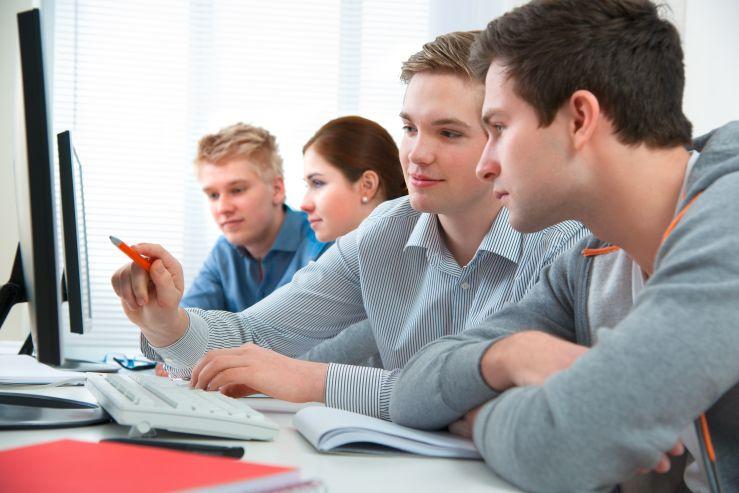 Для выпускников колледжей и абитуриентов с дипломами: ВГУЭС готовит к вступительным испытаниям