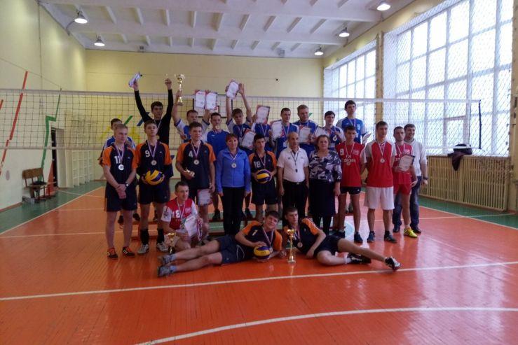 Итоги спортивной жизни Колледжа сервиса и дизайна ВГУЭС подвели преподаватели и тренеры