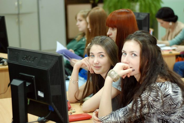 Студенты ВГУЭС обсудили актуальные проблемы мировой экономики и международных отношений