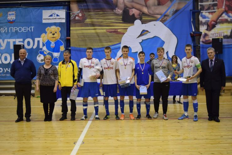 Футболисты Академического колледжа ВГУЭС завоевали путевку на первенство России по мини-футболу