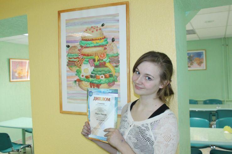 Учащиеся художественной школы ШИОД оформили столовую своими работами