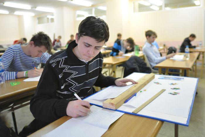 Во ВГУЭС соревновались лучшие школьники-физики края