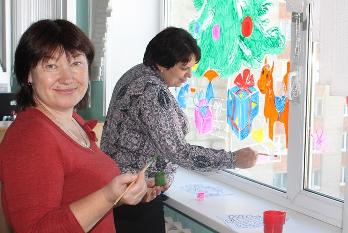 Студенты КСД ВГУЭС нарисовали свою зимнюю сказку