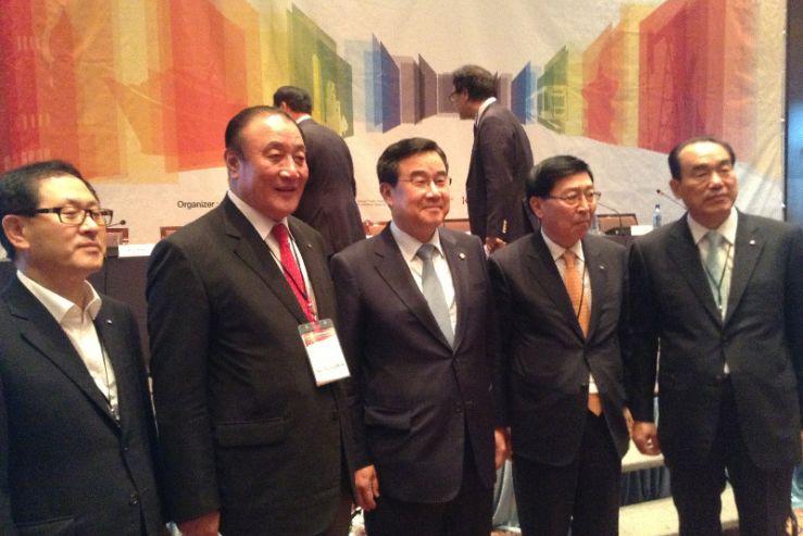 Профессор ИМБЭ Александр Латкин выступил модератором политической секции российско-корейского форума «Мёиль Кёндже»