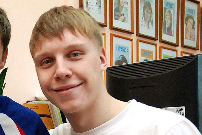 Студент ВГУЭС Александр Лёгенький стал чемпионом ДФО по настольному теннису и выполнил норматив мастера спорта России