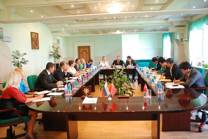 Состоялась встреча руководства ВГУЭС и представителей мэрии города Суйфэньхэ