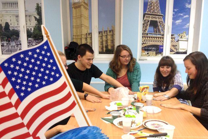 Иностранные студенты во ВГУЭС - как дома
