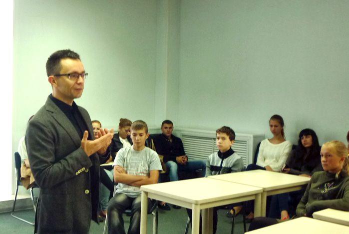 Перед лицеистами Академического колледжа ВГУЭС выступил главный редактор издательства «Пальмира»