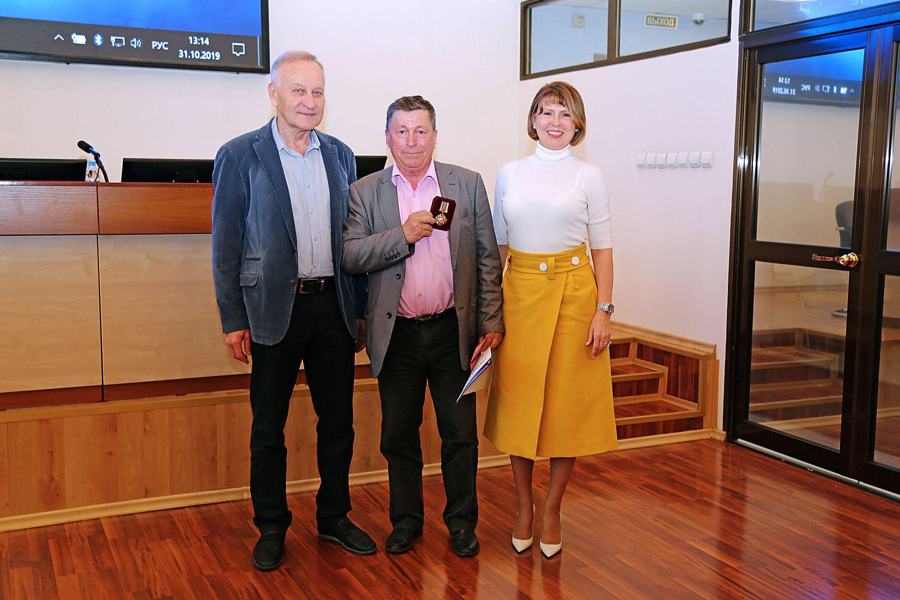 Ректор и президент ВГУЭС поздравили членов Ученого Совета с присвоением ученых званий и наградили за вклад в развитие образования