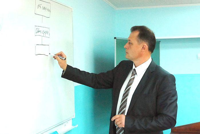Приглашенный спикер дал ценные советы будущим финансистам ВГУЭС