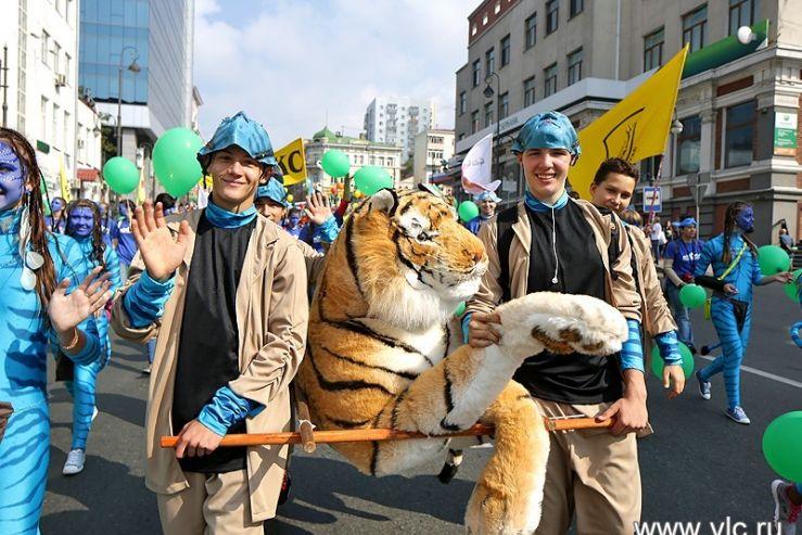 Учащиеся ШИОД стали «главными героями» карнавального шествия, посвященного Дню тигра