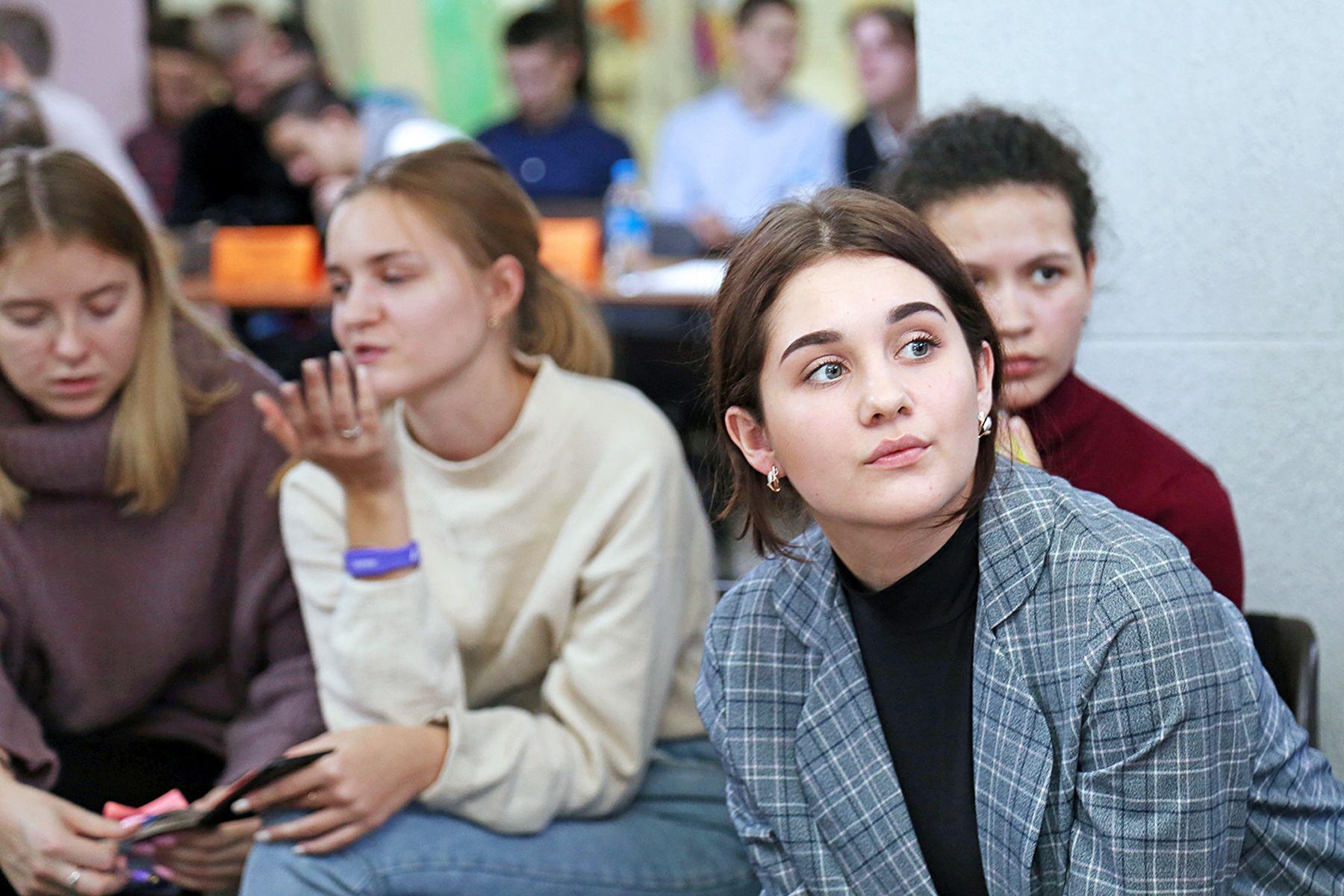 Студенты Института права ВГУЭС отметили День Конституции деловой игрой «Правовая лаборатория»