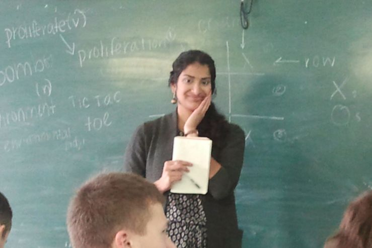 Студентов ВГУЭС учит английскому преподаватель из США