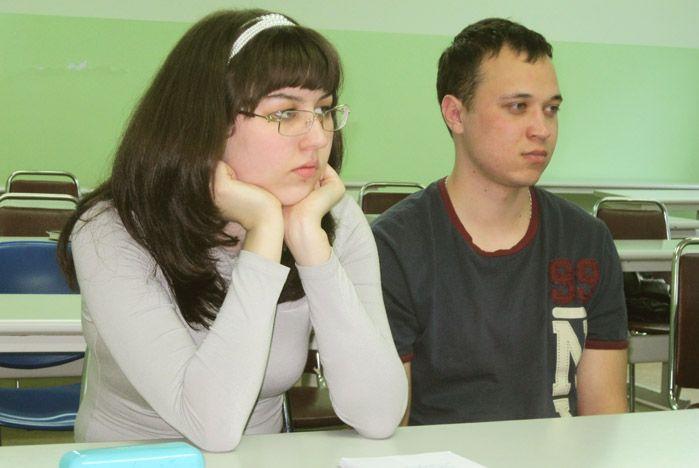 Студенты ВГУЭС разобрались в тонкостях работы коммерческих и государственных организаций