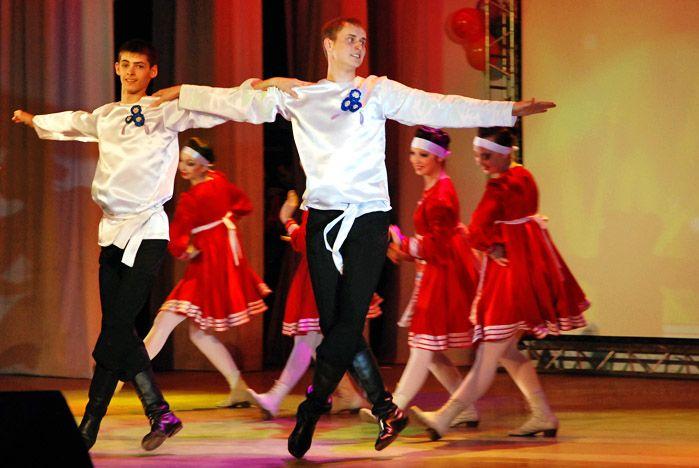 Студент КСД ВГУЭС был признан самым обаятельным и артистичным дипломантом фестиваля «Весенний бриз»