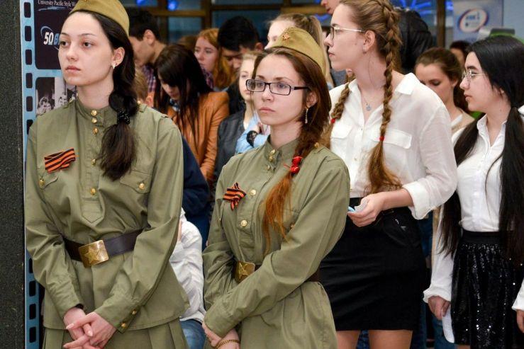 Студенты и сотрудники ВГУЭС отмечают 72-ю годовщину Победы