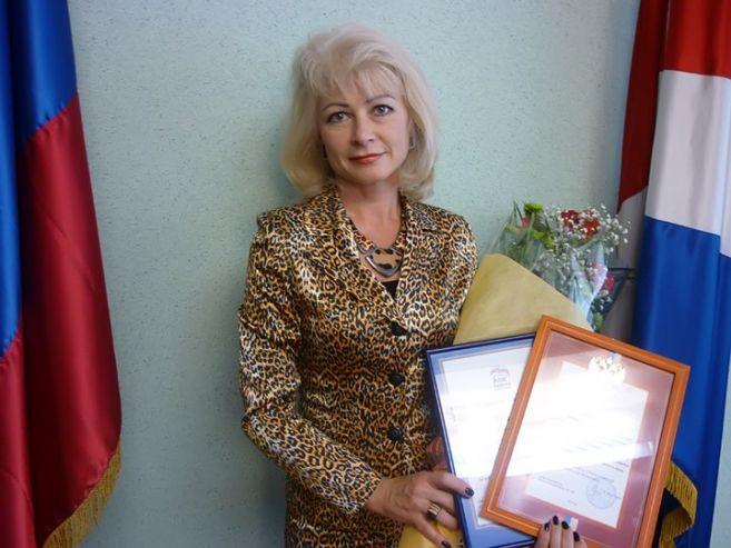 Накануне Дня учителя 14 лучших приморских педагогов награждены премией приоритетного национального проекта «Образование»