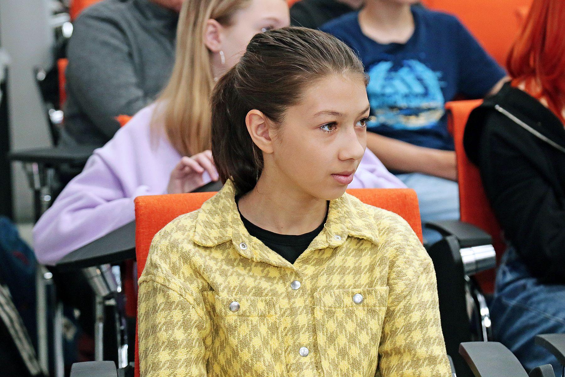 Школьники обсуждают историю Дальнего Востока во ВГУЭС