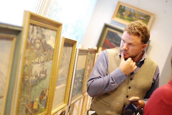 В музее ВГУЭС открылась выставка Ивана Рыбачука – народного художника России и одного из лучших маринистов 20-го века (видео)