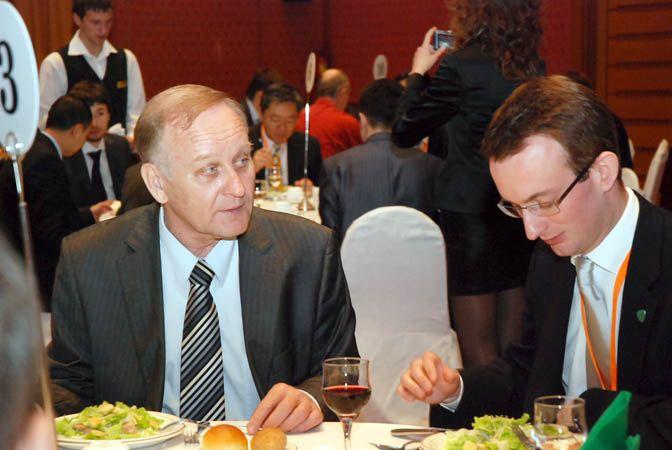 Ректор ВГУЭС обсудил вопросы развития образования на Дальнем Востоке с членами правительственной делегации Гонконга