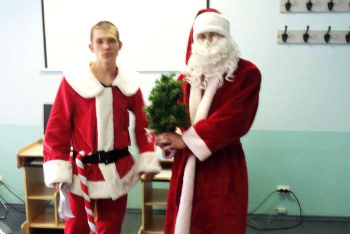 Студенты ВГУЭС познакомились с традициями празднования Нового года и Рождества в англоязычных странах