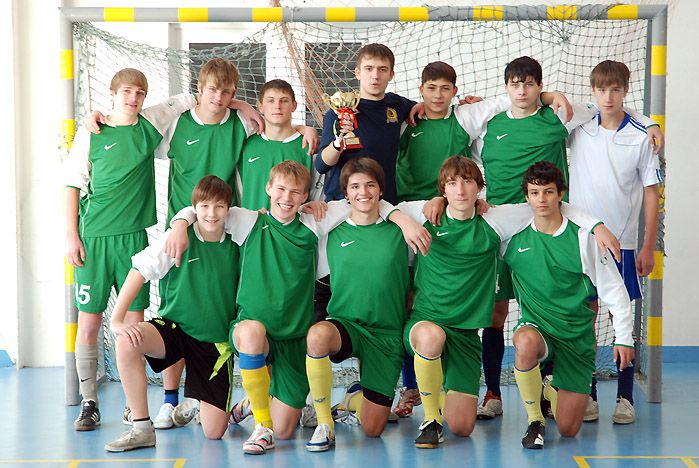 Футболисты Академического колледжа ВГУЭС заняли второе место в спартакиаде Приморского края