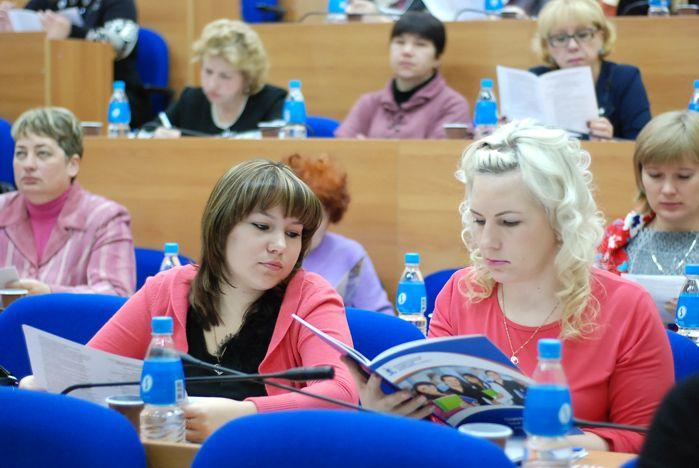 Роль дополнительного образования школьников обсудили на научно-практической конференции во ВГУЭС