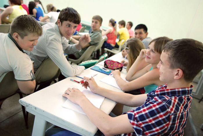 Старшеклассники Приморского края учатся в летней школе «Лидер»