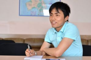 Future astronaut from Japan studies in VSUES